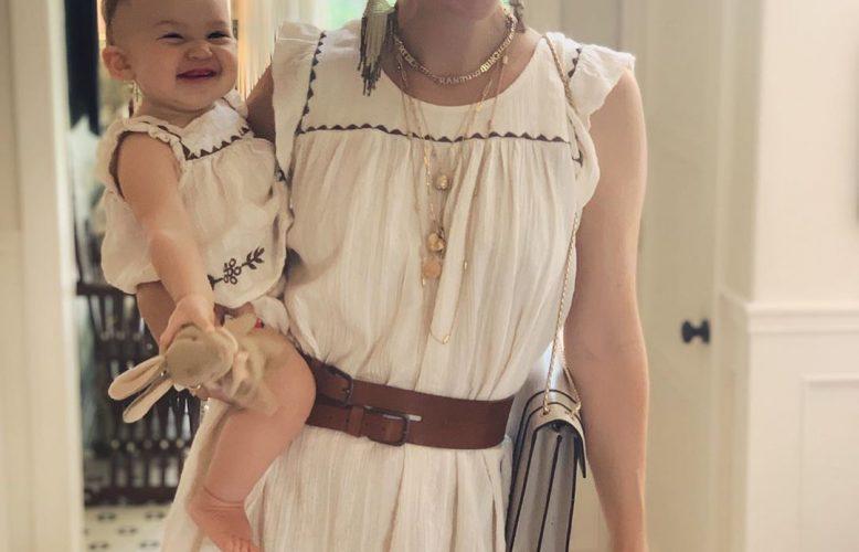 Mère - fille : les avantages de porter des vêtements identiques